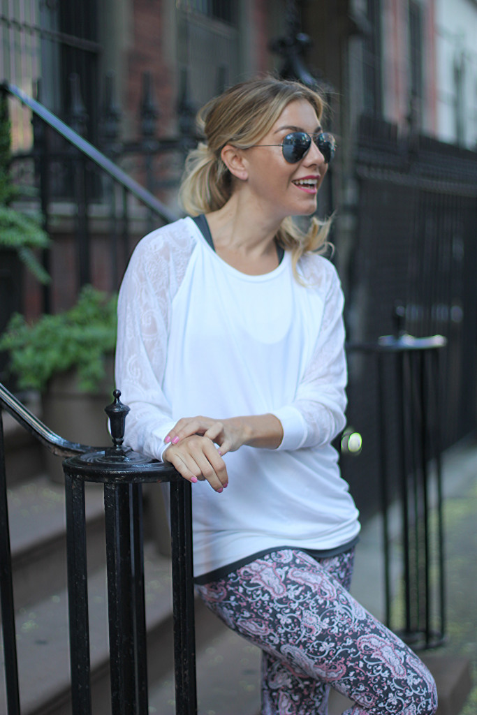 Fitness, Blogger, Activewear, Peony, NYC, white sweater