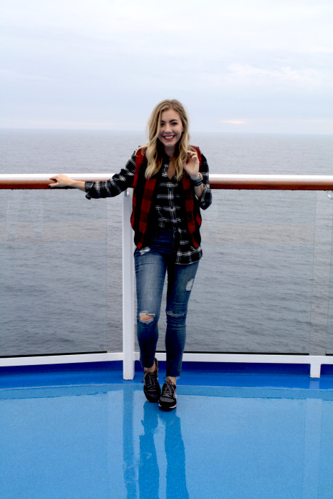 Travel blogger, what i wore, cruise, OOTD, what to wear, travel style, madewell, PNW, casual, plaid, Buffalo plaid vest, Royal Caribbean