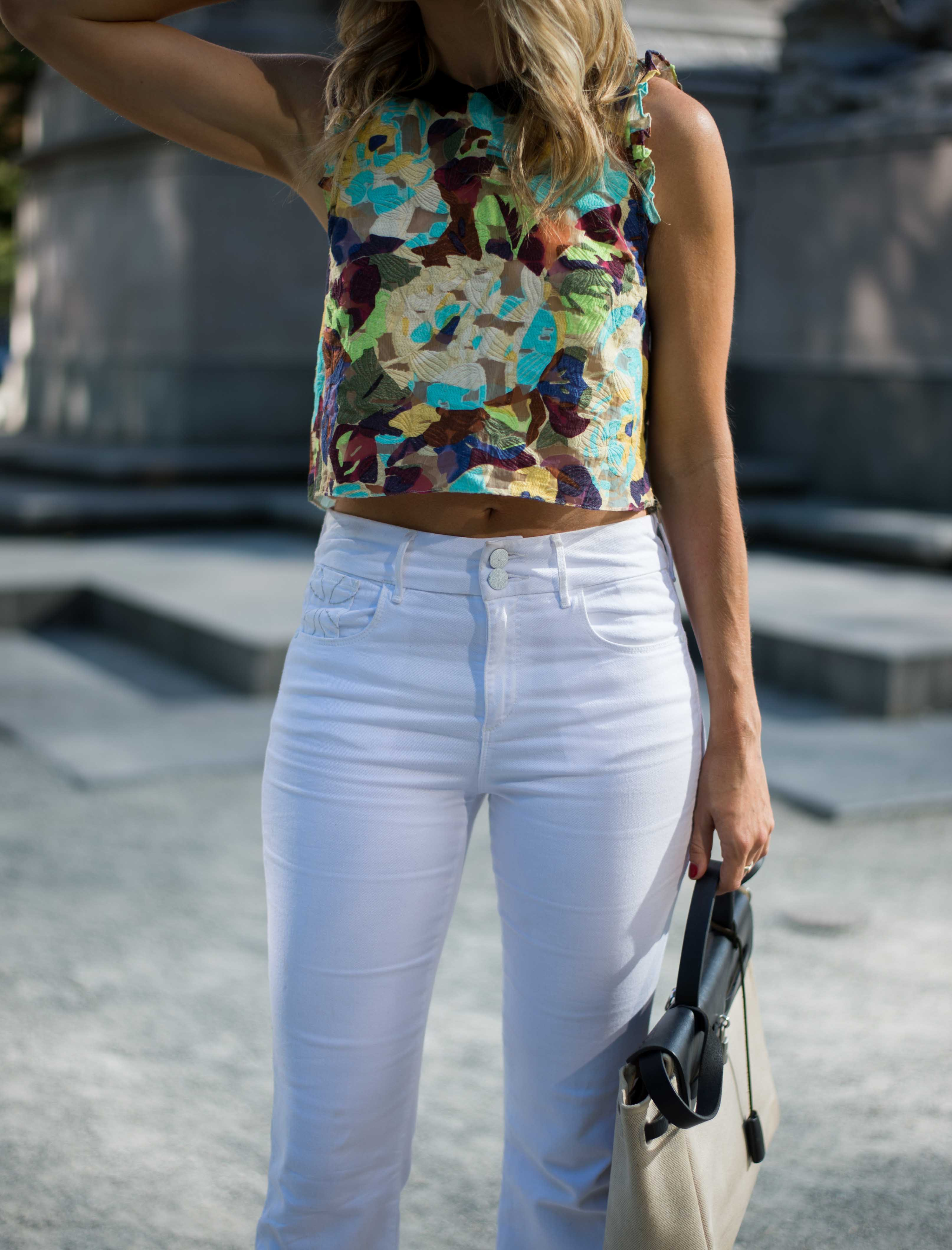 Tops For White Jeans