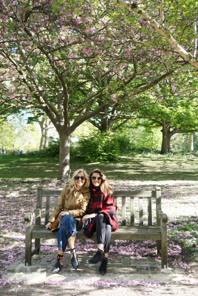 Mother's Day, Hyde Park, Cherry Blossoms,, On the 10, Nelson's take Europe, London, Travel blogger